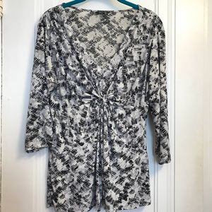 Daisy Fuentes Knot Front V-Neck 3/4 Sleeve Blouse
